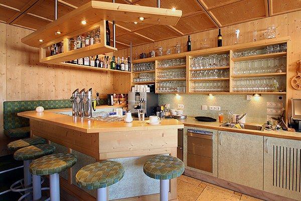 restaurantbereich_bar_aparthotel_burgstein.jpg