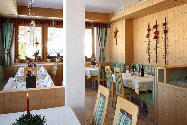 restaurantbereich_aparthotel_burgstein.jpg